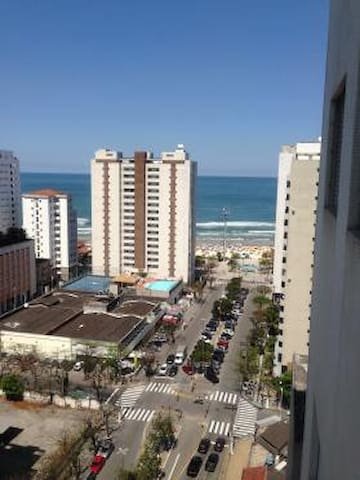Apartamento Pitangueiras com vista para o mar