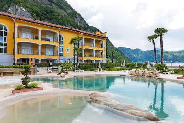 Casa de nueva reformada en Lombardía con piscina.