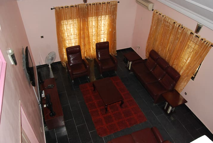 Bellahomesng: 5 bedroom duplex in benin city, Edo - Benin City - Casa