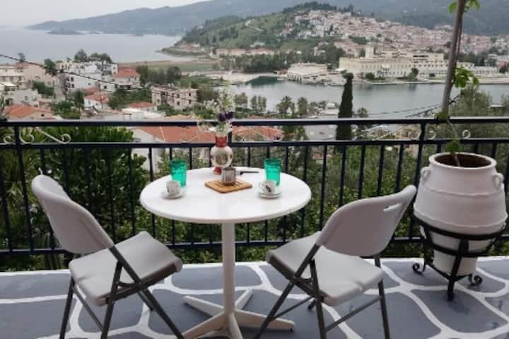 Katerina's Apartment/Breathtaking view of Poros!