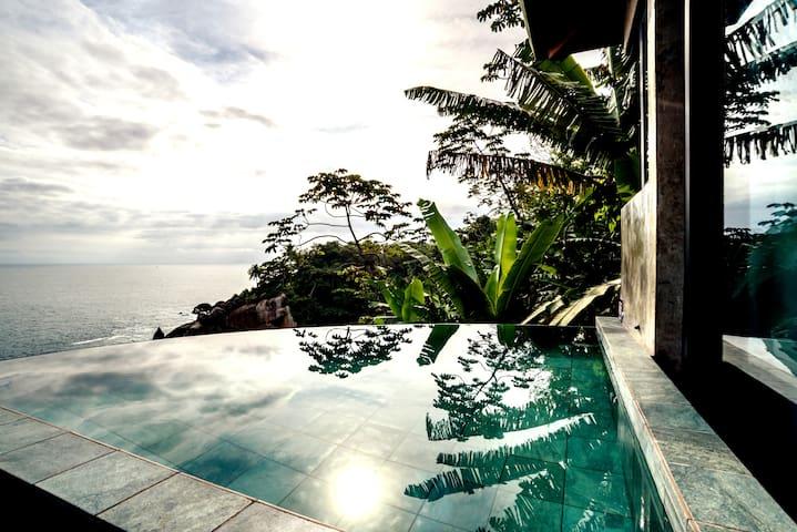 Casa das águas/piscina climatizada privativa/WiFi