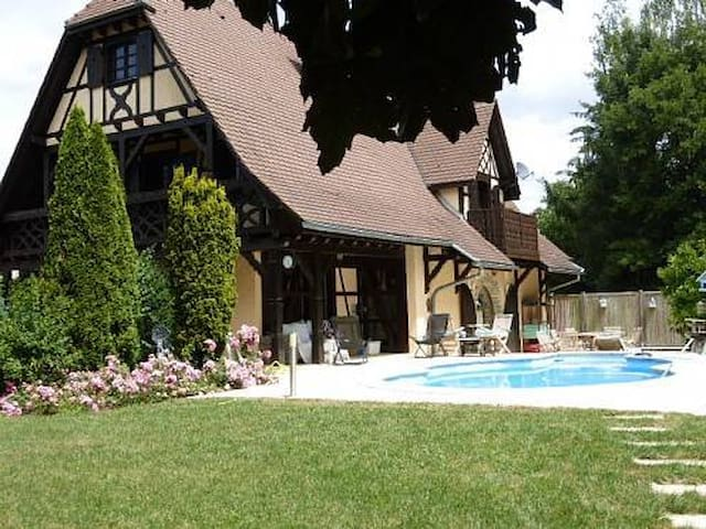 Idyllic Alsace retreat on the Swiss/Basel border - Hagenthal-le-Bas - Huis