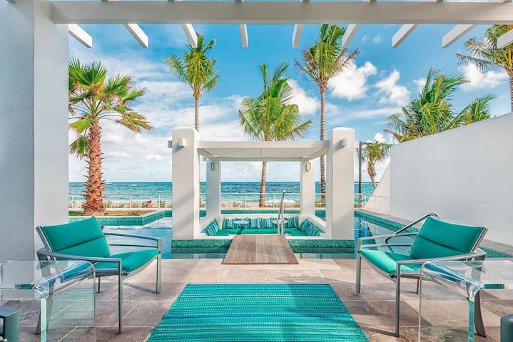 Villa Corinne - Beachfront Property