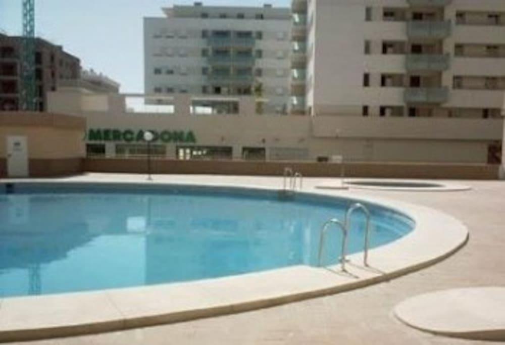 Piso teatinos 3 dormitorios malaga apartamentos en for Pisos 4 dormitorios malaga