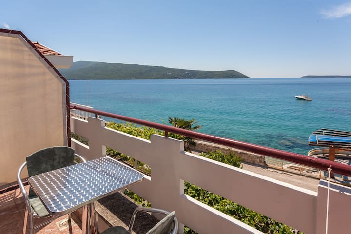 Waterfront studio for two (No4) - Herceg Novi - Apartmen