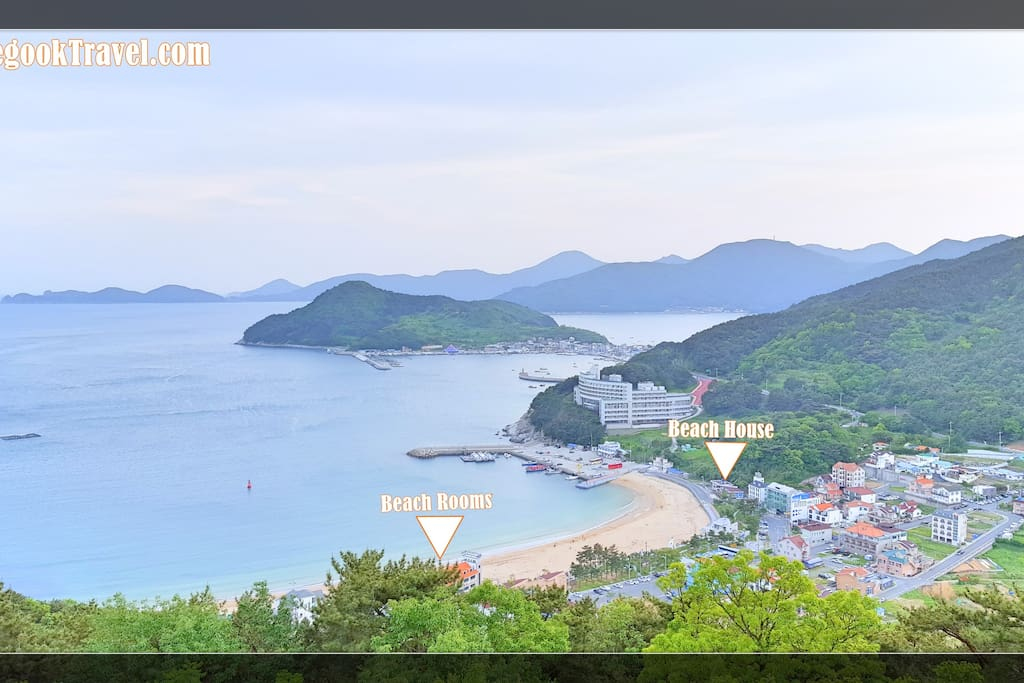 Our 2 guest houses are both beach front properties with awesome sea-views. All the major attractions on Geoje Island can be viewed right from the rooms and balconies.