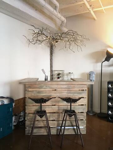 dry bar & tree with twinkle lighting