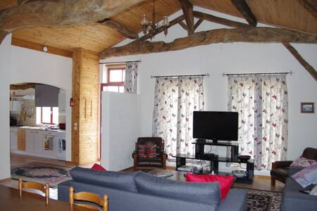 RED Gite -A beautiful converted stable in Gascony