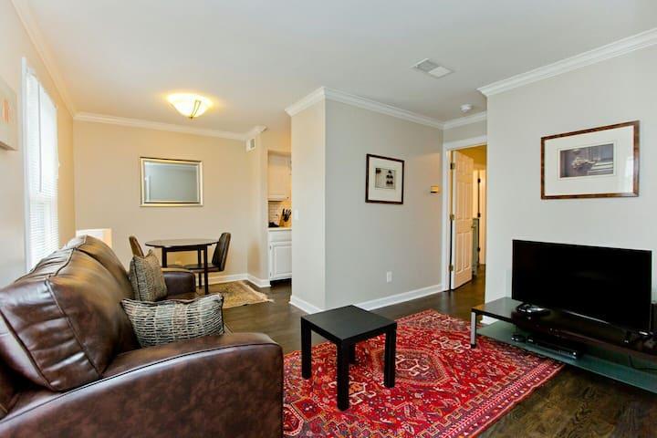 1 Bedroom  •  Walk to Vanderbilt & Belmont