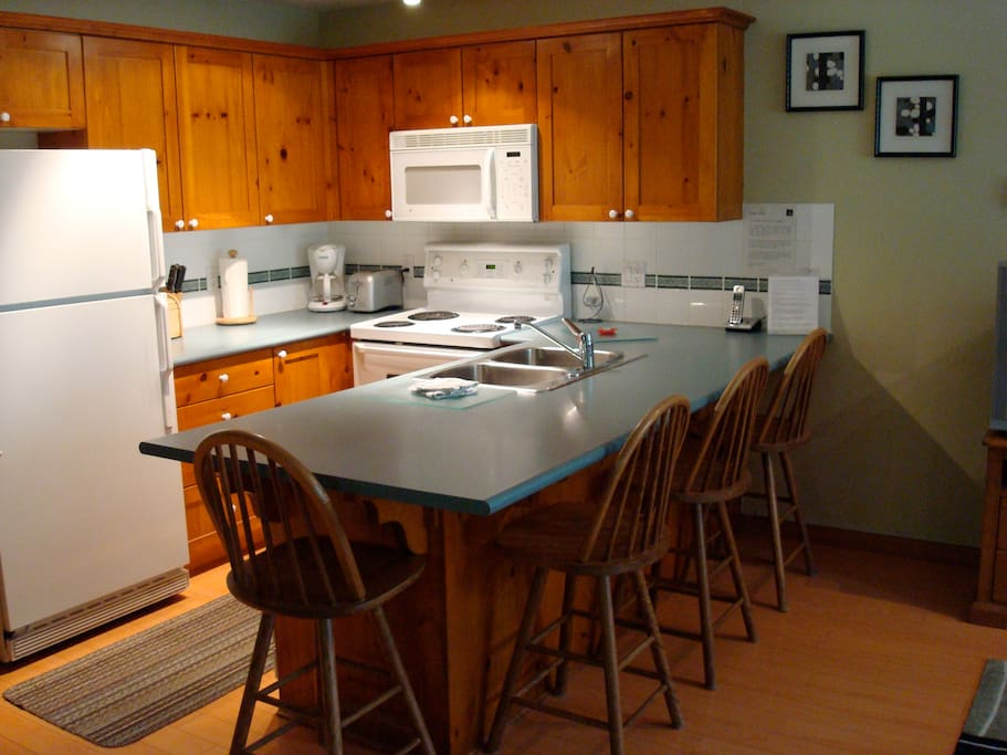 Full size Kitchen With all amenities!