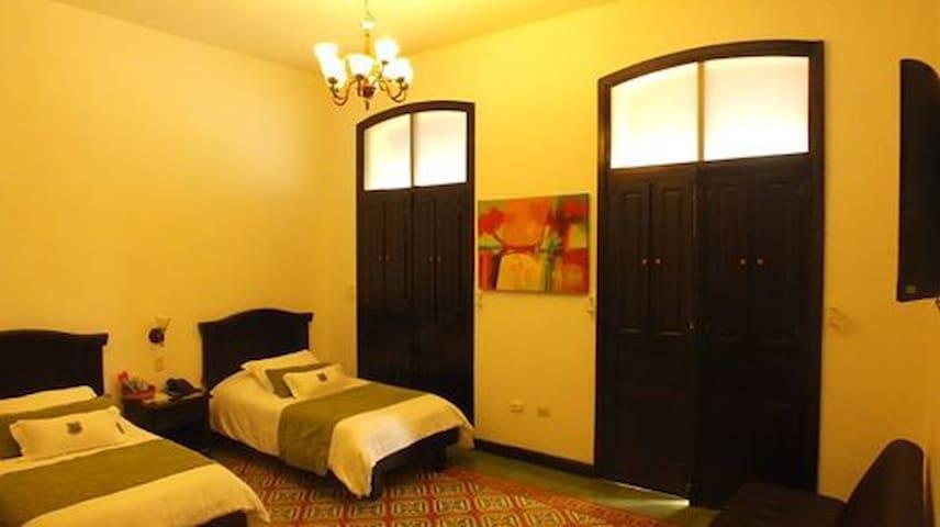 habitacion estandar - Guadalajara de Buga - Wikt i opierunek