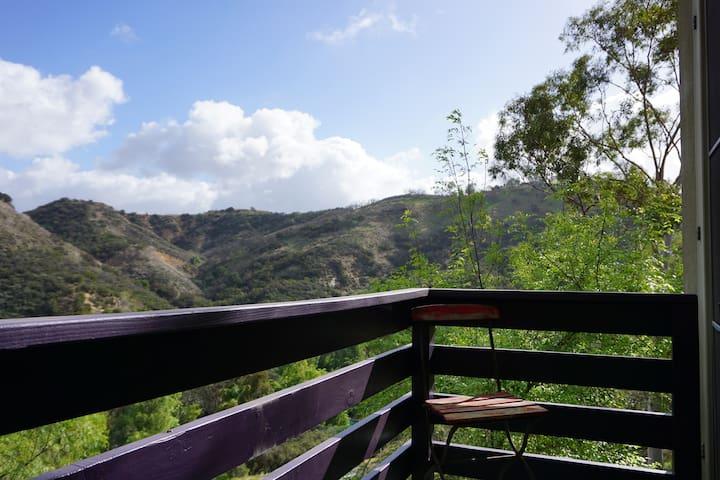 Walk to amazing hikes and horseback riding