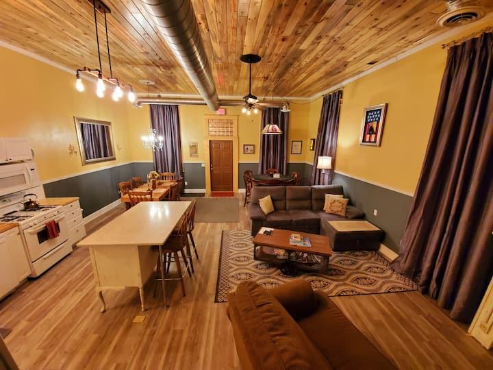 Historic Condo Near Deadwood Central HotTub & Pets