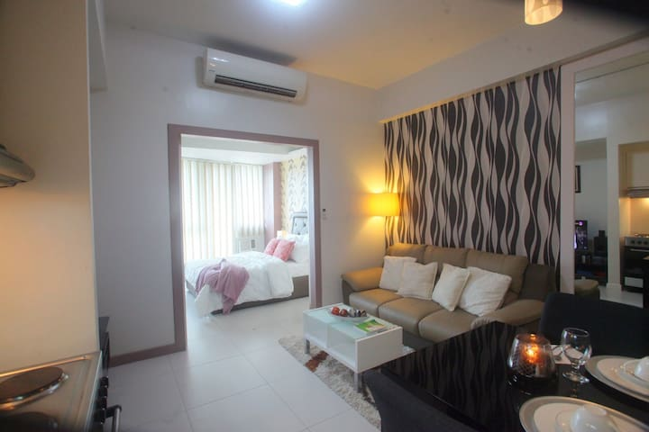 Fully Furnished 1BR @ KL Tower Condo Makati