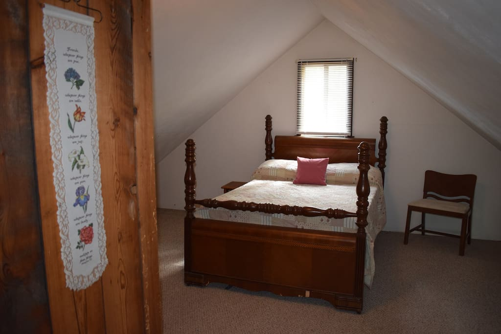 One loft bedroom with double bed