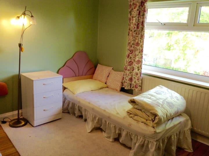 Comfy/Cozy big bedroom