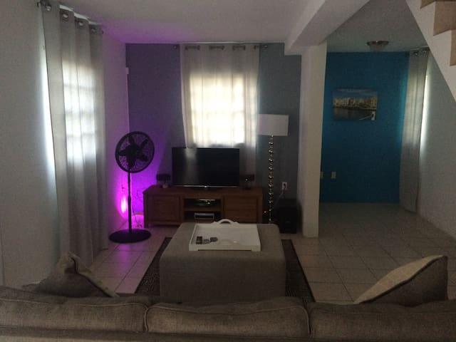 Confluence Apartments - Sint Michiel - Apartment