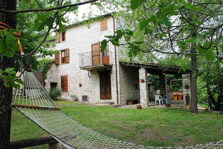 B&B Caiseveri (Riserva Gola Furlo) - Fermignano - Bed & Breakfast