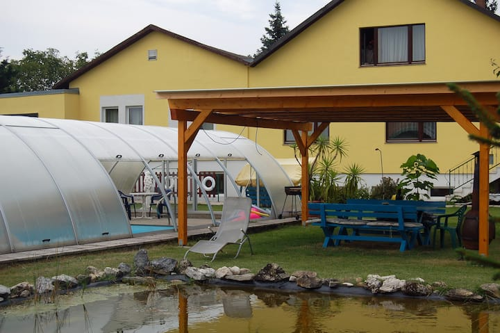 Privat Zimmer Sport 71 in Austria 2231 Strasshof.