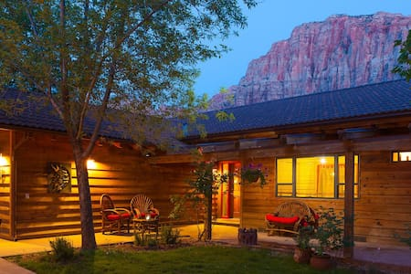 Nama-Stay Vacation Home Zion, Utah - Springdale - Ház