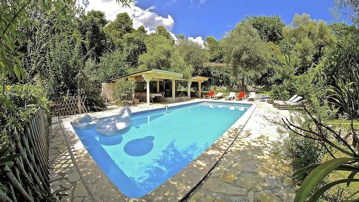 Magnifique villa climatisée, piscine et pétanque