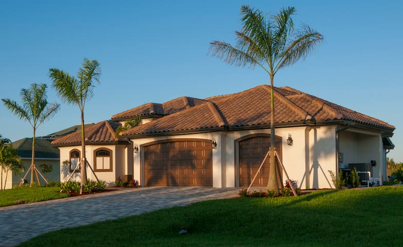 Luxury Vacation Home with direct Gulf access - Cape Coral - Rumah