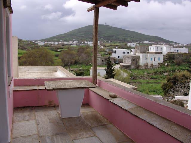 Σπίτι με κήπο στο χωριό