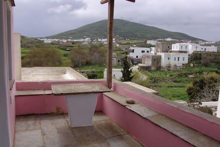 Σπίτι με κήπο στο χωριό - Φαλατάδος - 獨棟