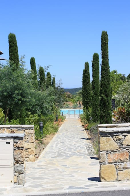 Path to the swimming pool