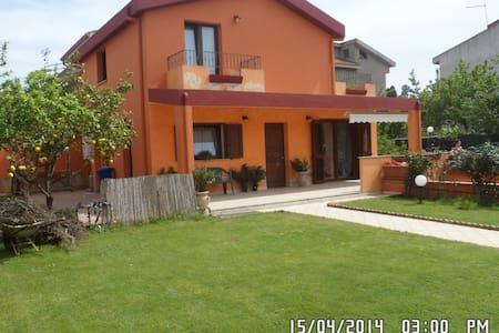 Casa in residence fra mare e monti - Rio San Girolamo ( Capoterra )  - Villa