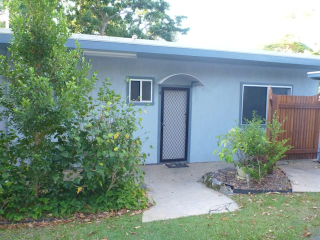 Unit 4 Koala Lodge 123 Charles St