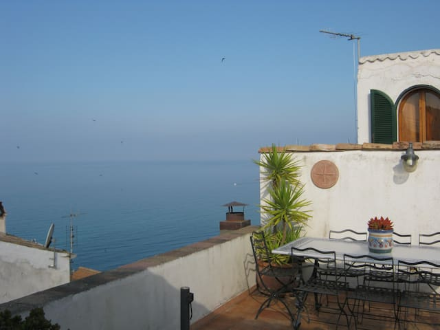 Beautiful sea house with terrace - Sperlonga - Lägenhet