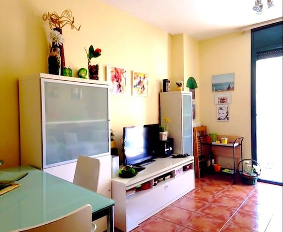 Apartamento de 50 mts - Torredembarra - Huoneisto