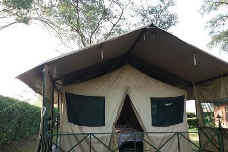 Manera Farm - Luxury tent in Settler Farm
