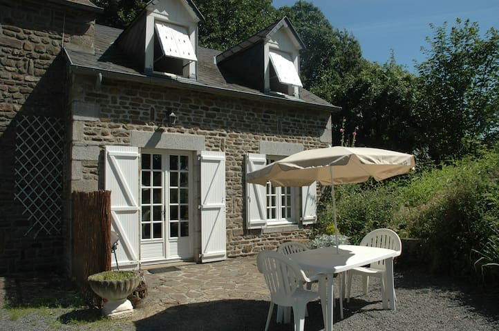 Gite de caractère à la campagne - Saint-Aubin-de-Terregatte - Talo