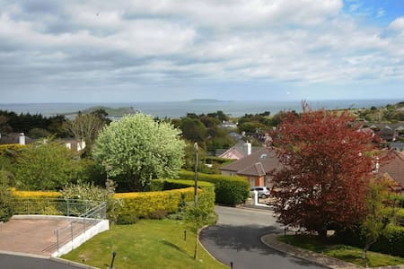 Modern 2 bed apt on Hill of Howth - Howth