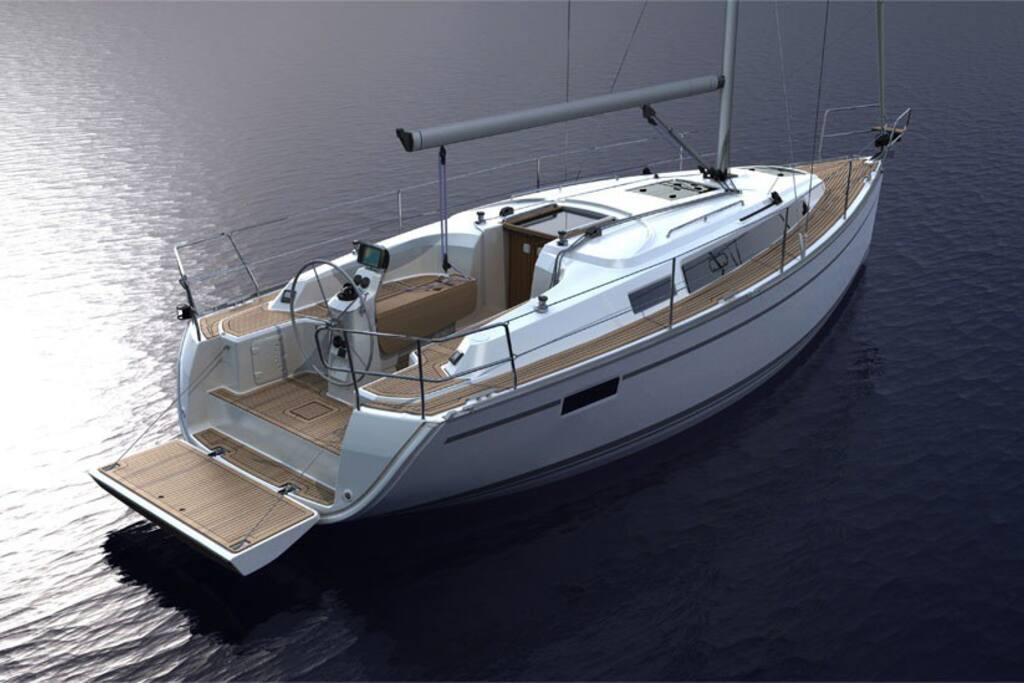 Bavaria 33 Cruiser 2013, well kept, clean and comfortable.