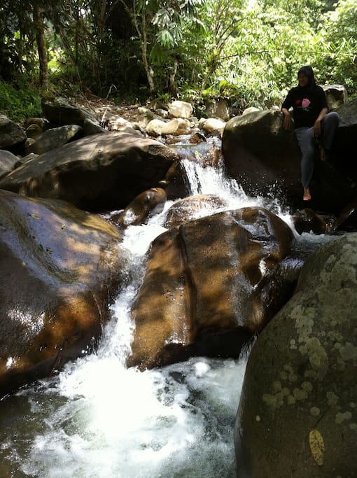 Mini waterfalls only 20 mins' walk from Le' Manah Retreat.