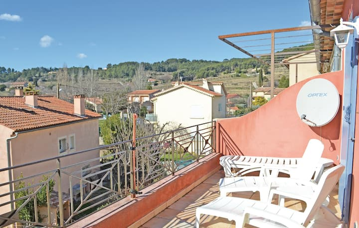 Nice home in Le Beausset with 2 Bedrooms