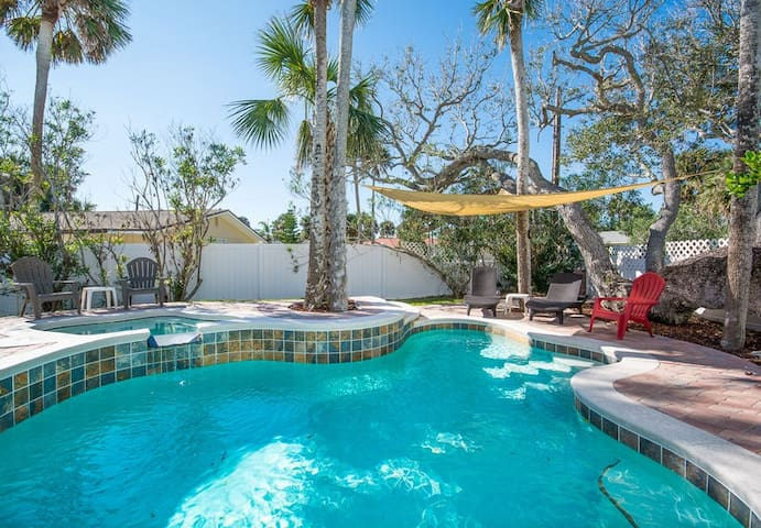 Delightful Pool Home - Short Walk to Beach - 4700Sax