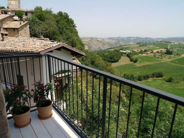 Fantastic home in the mountains - Benedello - Townhouse
