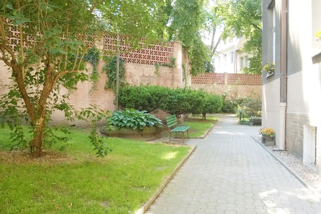 You can relax in this small garden. You will have the view from your window in this small park.:)