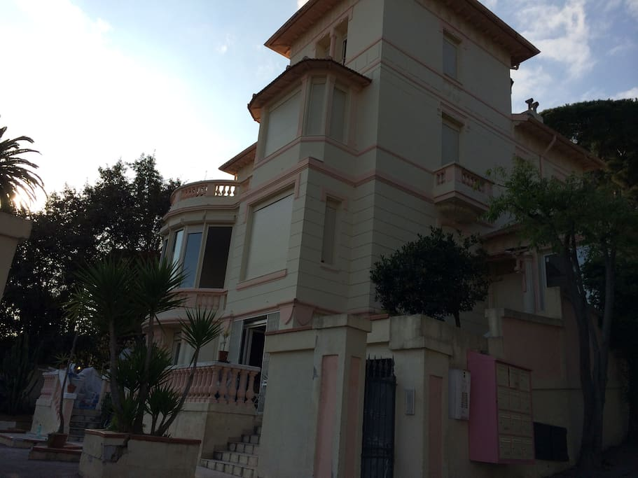 appartement dans une authentique villa niçoise