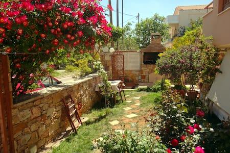 Garden view Studio - Patima Chalandriou