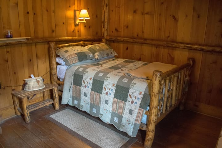 Room #12 in the Historic Range Rider Lodge - Park County