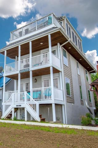 The Best Escape At Buckeye Lake! Waterfront Fun!