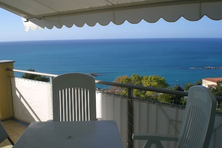 Spectacular view of the sea - Ospedaletti - Apartmen