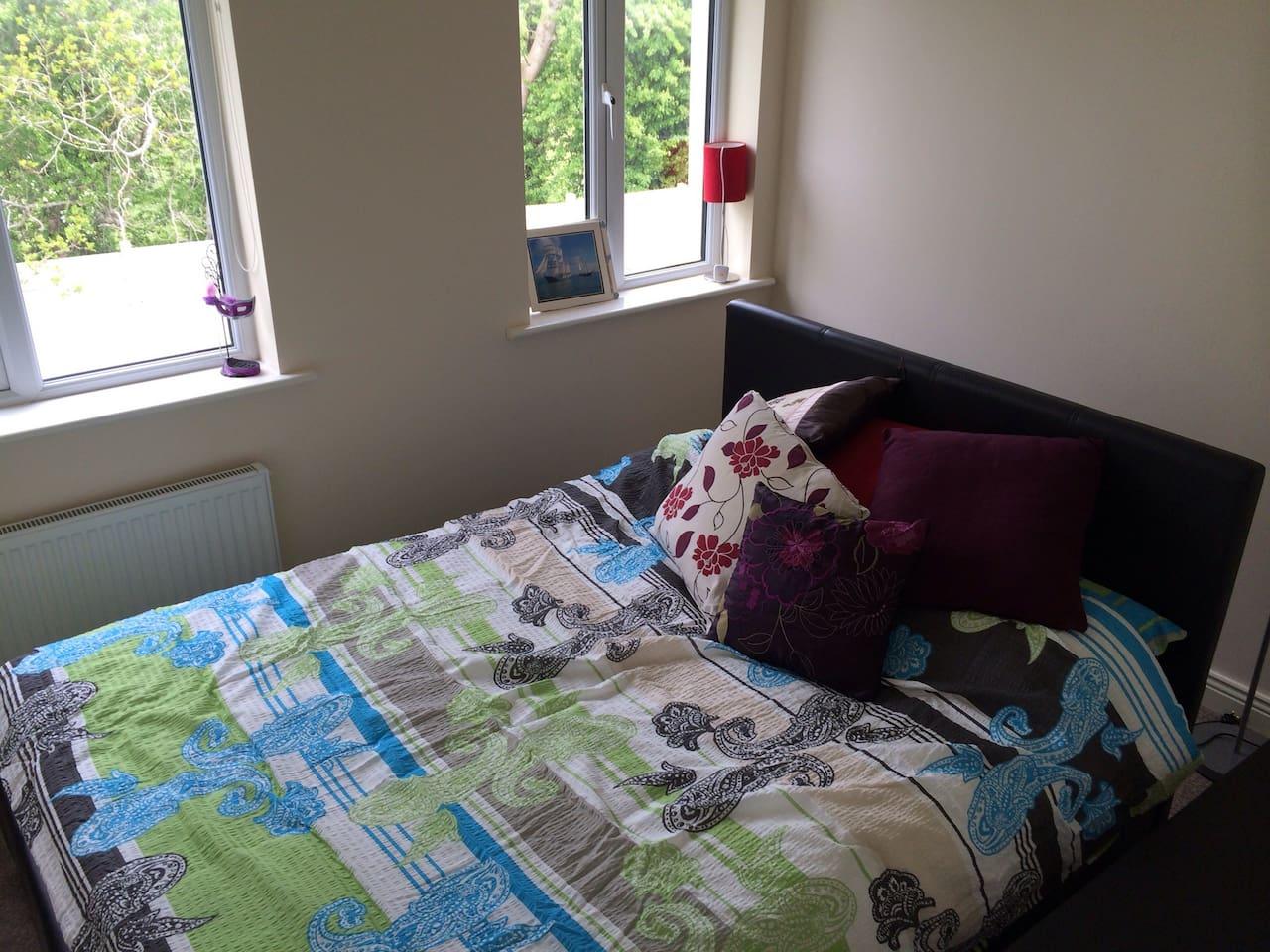 A Cosy Double Bedroom