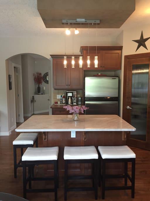 Newly renovated kitchen !!