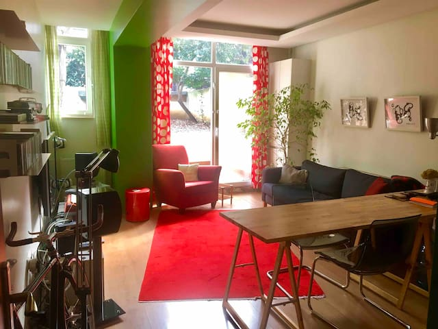 Gorgeous Garden Flat in Moda (City's Hip Quarter)
